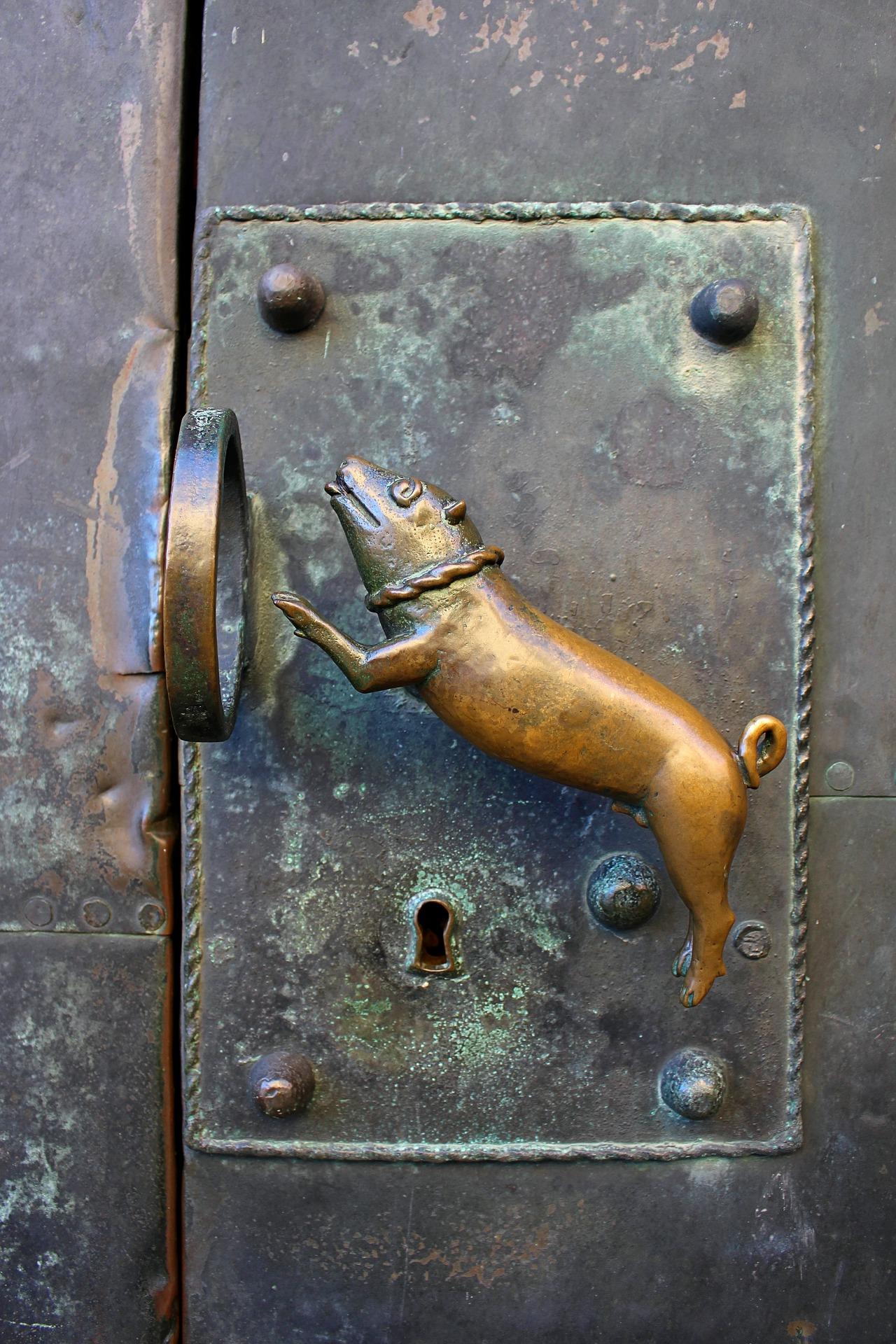 door-handle-2112078_1920